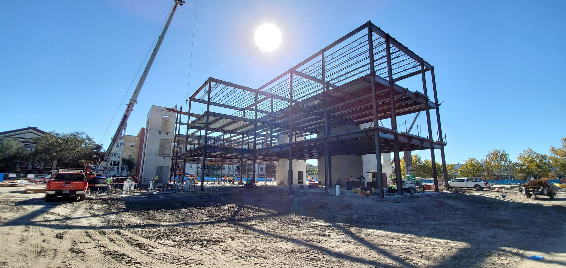 picture of steel girders going up at the new Blount Campus expansion in downtown Gainesville